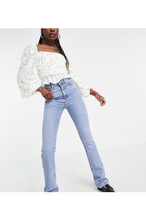 New Look Mom jeans a zampa azzurri