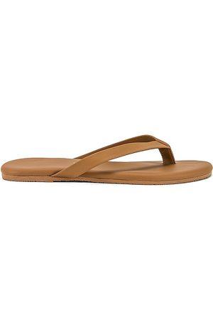 Tkees The Boyfriend Flip Flop in - Tan. Size 10 (also in 5, 6, 7, 8, 9).