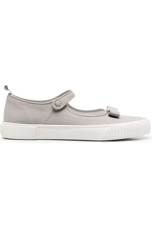 Thom Browne Sneakers Mary Jane con fiocco