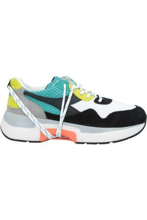 Diadora CALZATURE - Sneakers & Tennis shoes basse