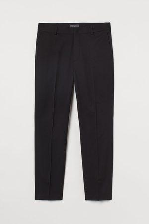 H&M Pantaloni corti Slim Fit
