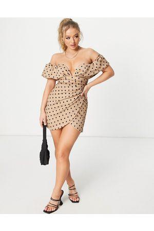 ASOS Vestito corto in rete beige a pois con scollo Bardot profondo