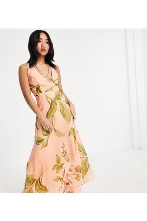 ASOS ASOS DESIGN Petite - Vestito lungo avvolgente con spalline sottili e allacciato sulla schiena con stampa a fiori grandi