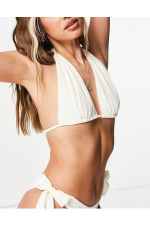 ASOS Top bikini a triangolo alto in velluto avorio