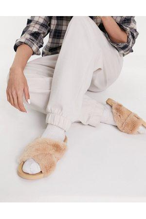 ASOS Fiona - Sliders con fascette incrociate in pelliccia color caramello-Neutro