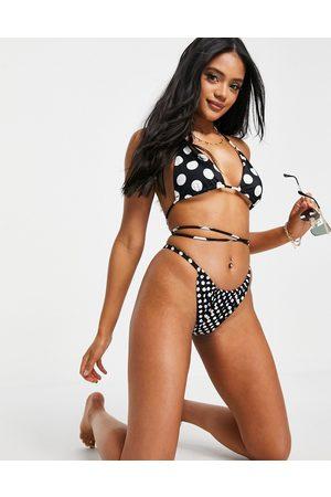 ASOS Mix and Match - Slip bikini a tanga con motivo monocromatico a pois