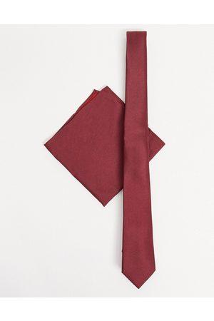 ASOS Cravatta sottile e fazzoletto da taschino in raso bordeaux