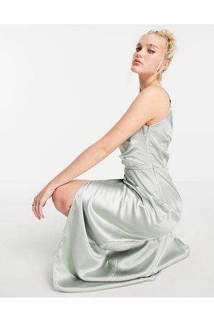 Little Mistress Vestito lungo monospalla drappeggiato in raso con spacco salvia