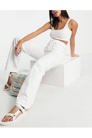 Bershka Jeans a vita alta dritti bianchi con cut-out