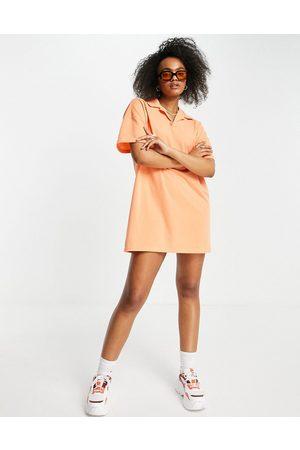 Lola May Vestito camicia stile polo a maniche corte corallo
