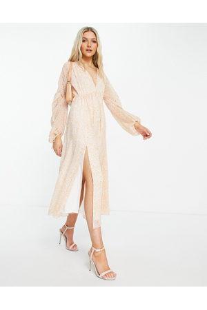 Forever New Vestito lungo al polpaccio con scollo profondo e arricciatura con laccetto sulle maniche in stampa leopardata leggera