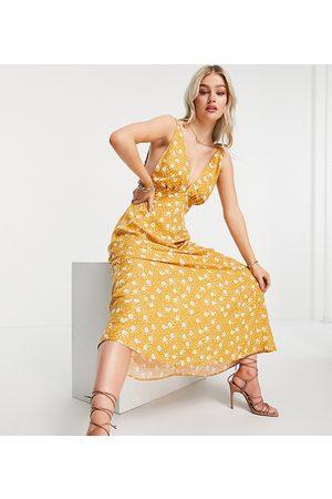 ASOS ASOS DESIGN Petite - Vestito lungo con scollo profondo e spalline elasticizzate giallo con stampa