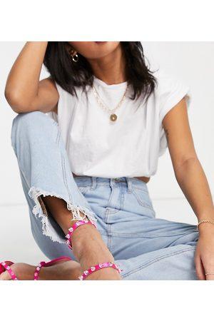 Missguided Donna Straight - Jeans dritti in lavaggio chiaro con fondo grezzo