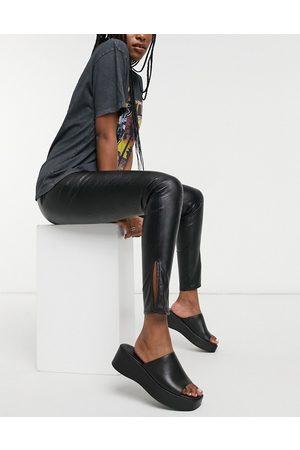 Parisian Leggings in ecopelle PU con spacchi laterali, colore