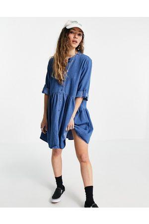 ONLY Vestito camicia corto di jeans con colletto serafino lavaggio chiaro
