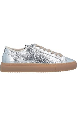 Doucal's Donna Sneakers - CALZATURE - Sneakers & Tennis shoes basse