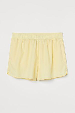 H&M + Shorts sportivi