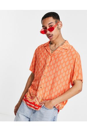 ASOS Camicia comoda con rever con stampa cachemire e motivo sul fondo