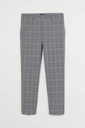 H&M Uomo Abiti eleganti - Pantaloni corti Slim Fit