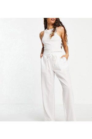 Loungeable Petite - Mix and Match - Pantaloni del pigiama in seersucker bianchi