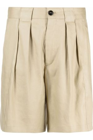 Closed Shorts con pieghe