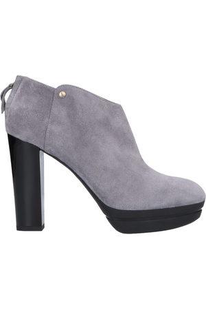 HOGAN Donna Stivaletti - CALZATURE - Ankle boots