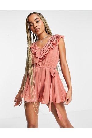Rare Fashion Donna Tute e salopette - London - Tuta corta a pieghe con volant, colore