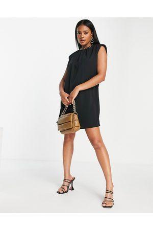 AX Paris Donna Vestiti da sera - T-shirt con spalline imbottite nera