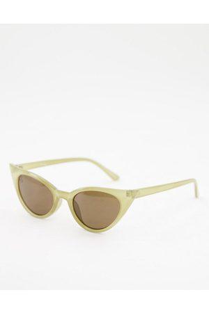 Jeepers Peepers Occhiali da sole cat-eye da donna verdi con lenti colorate