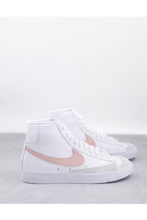 Nike Blazer Mid 77 - Sneakers bianche e corallo