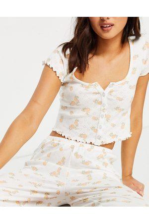 ASOS Mix & Match - T-Shirt del pigiama con fiori traforati e bottoni e rosa