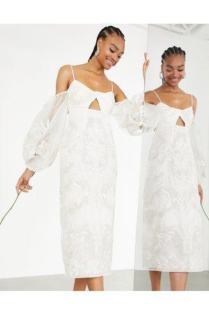 ASOS Willow - Vestito da sposa midi ricamato con incrocio frontale e maniche appariscenti