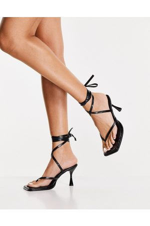 ASOS DESIGN Habit - Sandali a infradito con allacciatura alla caviglia pitonato