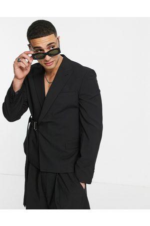 ASOS Giacca da abito slim corta nera in twill con pratiche fasce