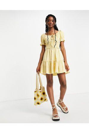 Lipsy London Vestito milkmaid corto giallo a quadretti