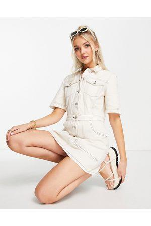 French Connection Donna Vestiti casual - Vestito corto di jeans color crema con cuciture