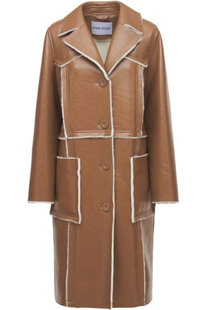 """Stand Studio Cappotto """"aniya"""" In Eco Shearling Lucido"""