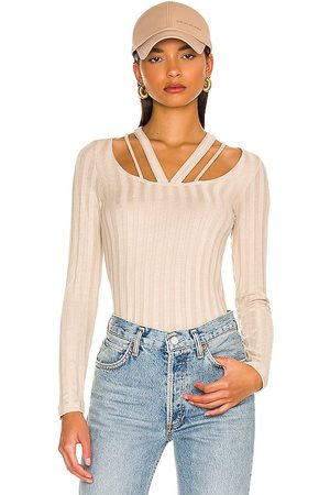 LnA Parallel Top in - Beige. Size M (also in S, XS).