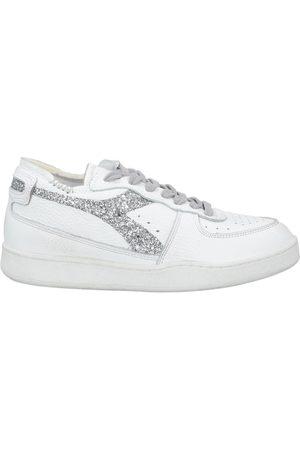 Diadora Donna Sneakers - CALZATURE - Sneakers