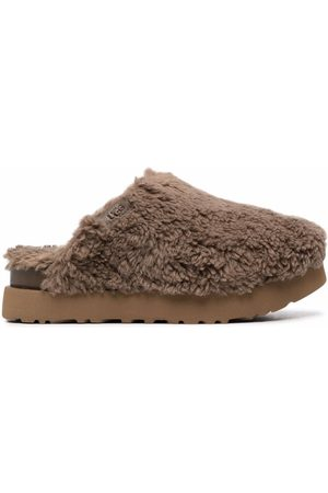 UGG Slippers con plateau