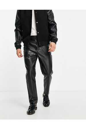 ASOS Pantaloni affusolati in pelle sintetica nera